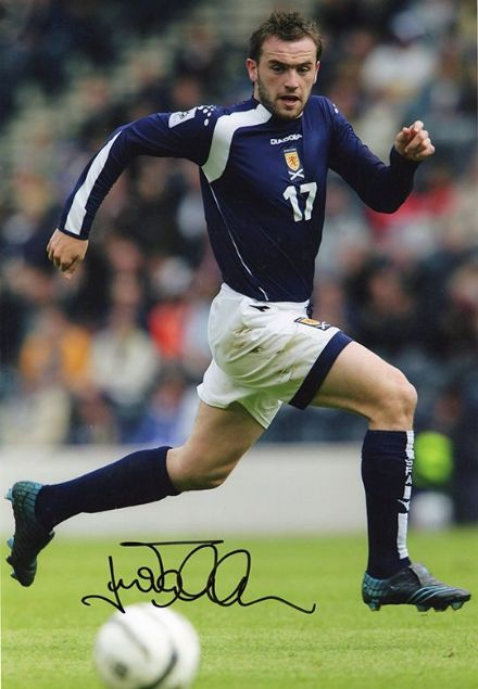 James McFadden, Scotland, Motherwell, Everton, signed 12x8 inch photo.